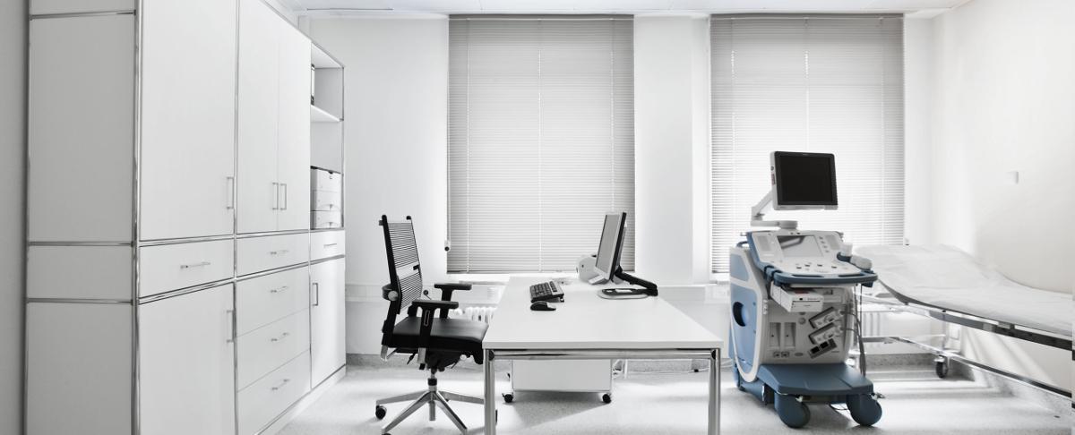behandlungszimmer praxiseinrichtung in hessen. Black Bedroom Furniture Sets. Home Design Ideas